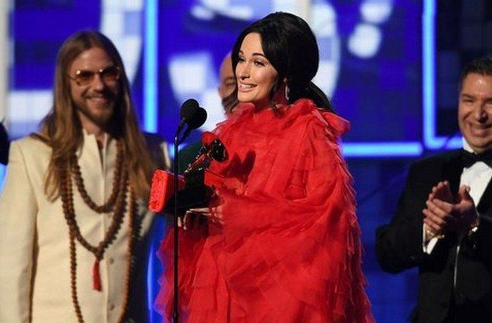 El country relega al rap en el Grammy