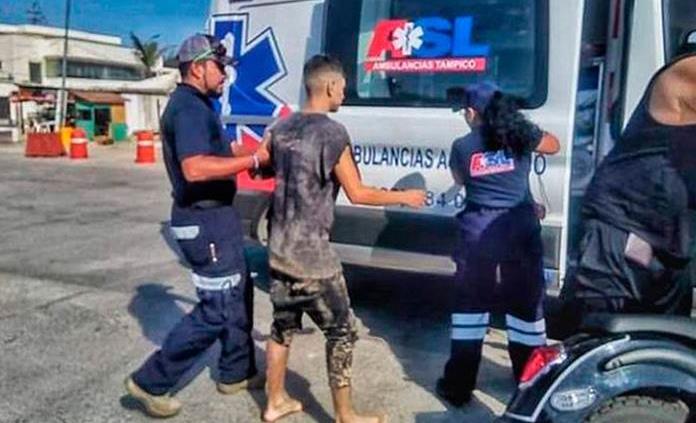 Amigos dejan a joven enterrado en playa de Tamaulipas