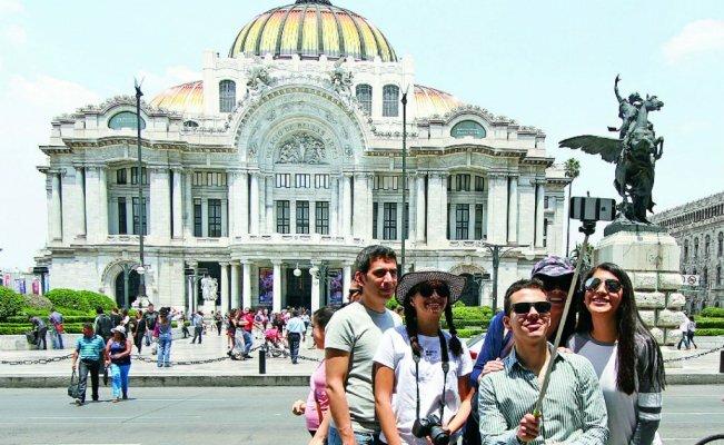 Mayoría de mexicanos gastará al menos 5 mil pesos en Semana Santa